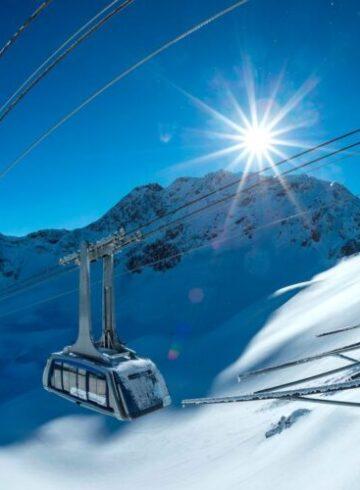 Machen Sie Ferien zuhause, in der Schweiz gibt es unzählige Bergbahnen, zum Beispiel die Urdenbahn..