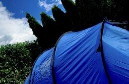 Ein Zelt im Garten - unsere Ideen für spannende Ferien zuhause