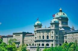 Bundeshaus Bern - jetzt besuchen während eurer Ferien zuhause